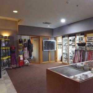 חנויות
