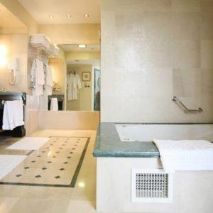 מלון קראון פלאזה